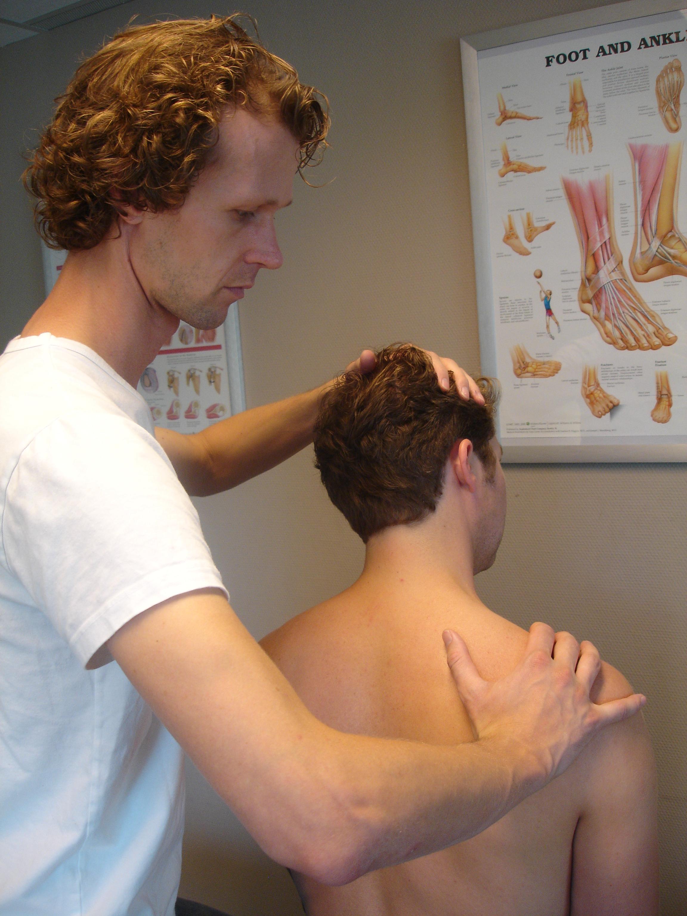 wat doen bij nekpijn